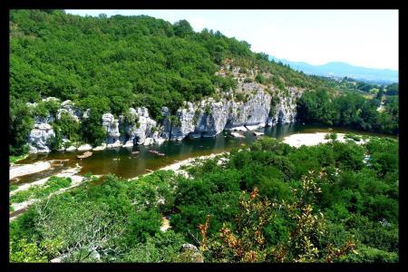 Camping Les Actinidias, Berrias-et-Casteljau